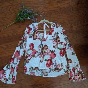 NWOT Bebe Bell Sleeve Floral Print Top